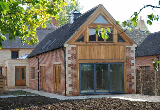The Thatch - Brown and Jones - Building Contemporary Country Homes 03