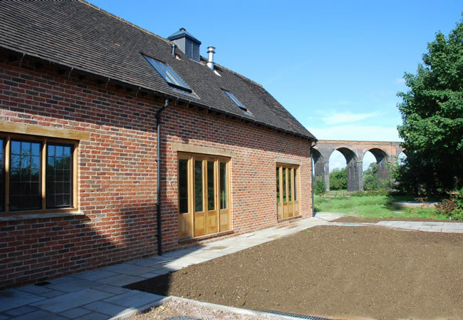 The Thatch - Brown and Jones - Building Contemporary Country Homes 02